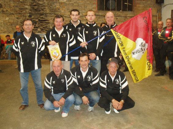 L'équipe de la Pétanque Gare Aubin I vainqueur en Division 1