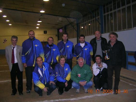 La formation de Villefranche finaliste de la Coupe de l'Aveyron des clubs 2008, avec José Duarte, Jean-Pierre Bobin, Marc Nogaret et Claude Pinel