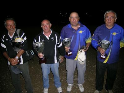 Les vainqueurs: JL ALONSO - M. MARTIN et les finalistes J. Gayral - L. Marty  (photo de A. Routaboul))