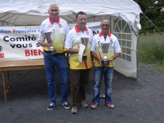 Henri PEREZ,Jacques SERVIERES,  Manuel LLAVES (Pétanque Villefranchoise)