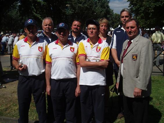 1er rang : Roland Blayac-Yves Marro-Mickaël Amalric et Christian Bouyssou - 2è rang : Patrick Martel-Yves Berroche-Fabienne Gladin et Jean-Philippe Marcillac